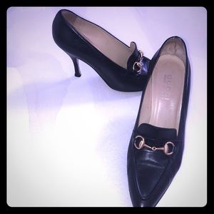 Gucci shoes black with gold horse bit sz 7.5 great